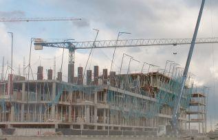 Imagen de archivo de un edificio en construcción en la comarca