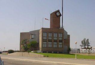 Uno de los edificios del puerto de Sagunto