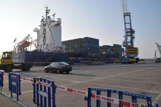 El tráfico total del puerto de Sagunto retrocede un 3,17% en septiembre con respecto a 2015
