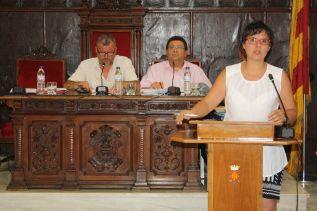 La concejal de Hacienda, Teresa García, en un pleno municipal